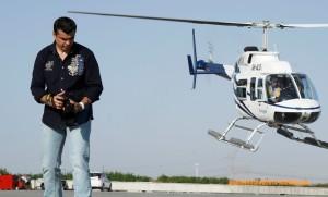 Човека паяк Иван Кристоф с хеликоптери