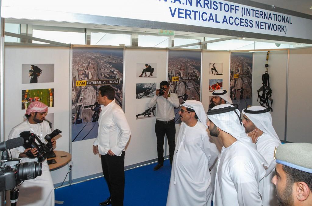 въжедостъпни операции с Човека паяк Иван Кристоф в Дубай