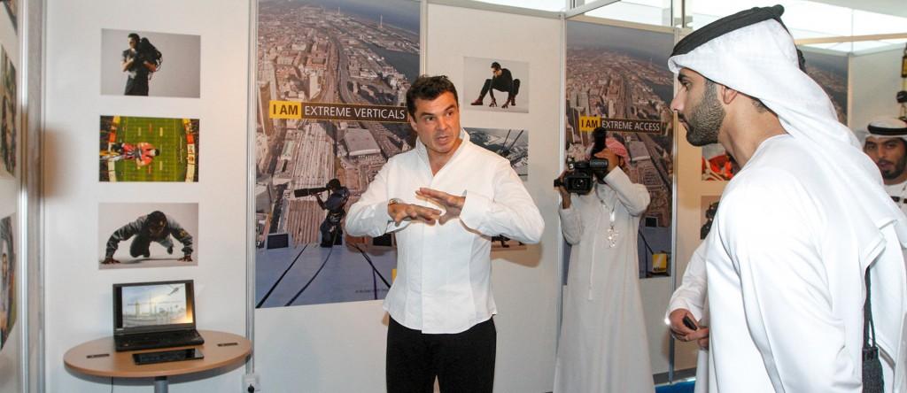 въжедостъпни операции с Човека паяк Иван Кристоф на най-високата кула